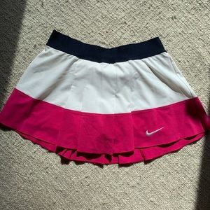 Nike skirt size small